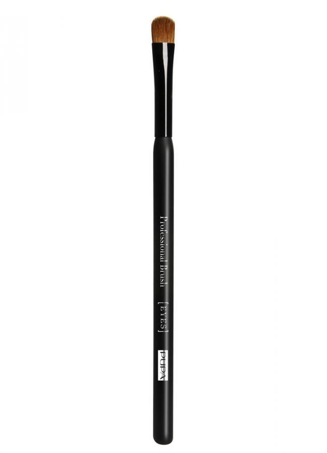 Кисть для нанесения теней Eye Base BrushКисти<br>Кисть для теней округлой формы Basic Eye Brush идеально подходит для нанесения любых видов теней на поверхность подвижного века и для их&amp;nbsp;&amp;nbsp;растушевки.<br>