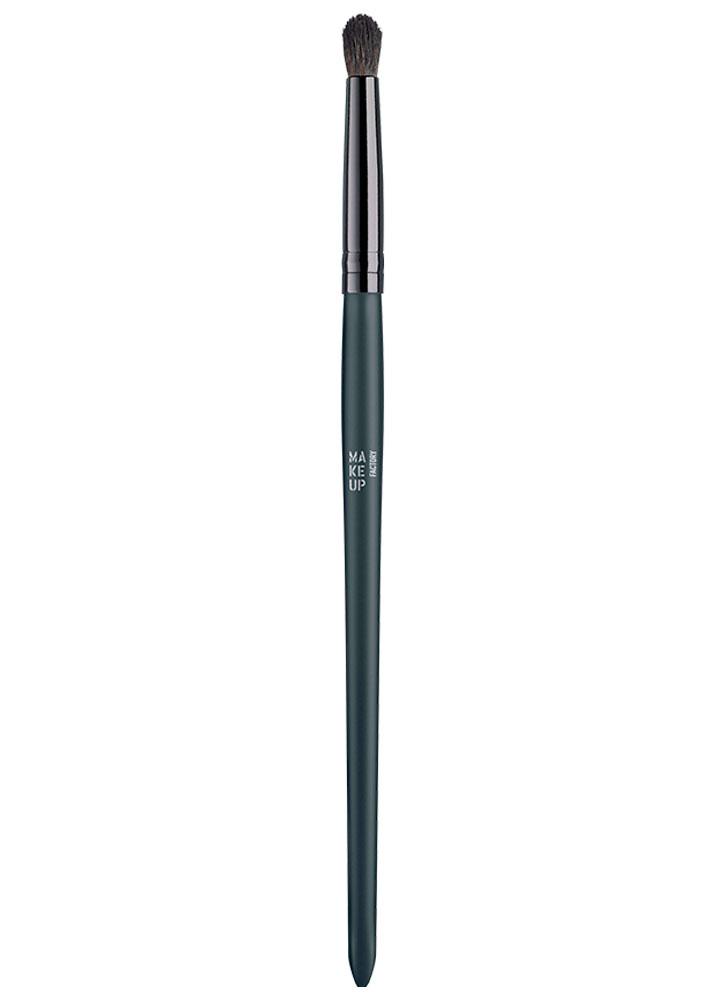 Купить Кисть для растушевки теней MAKE UP FACTORY, Precise Blending Brush, Германия