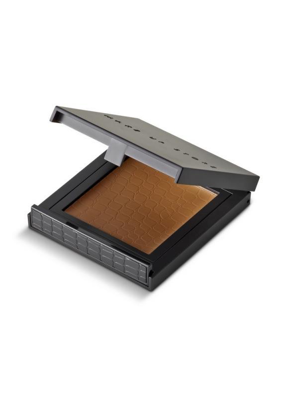 Компактное тональное средство Cream to Powder тон 74 WalnutТональное средство<br>Продукт «2 в 1»: кремовая текстура трансформируется на коже в пудру с мягким матовым финишем. Хорошо скрывает недостатки , выравнивает и не перегружает кожу.<br>Цвет: Walnut;