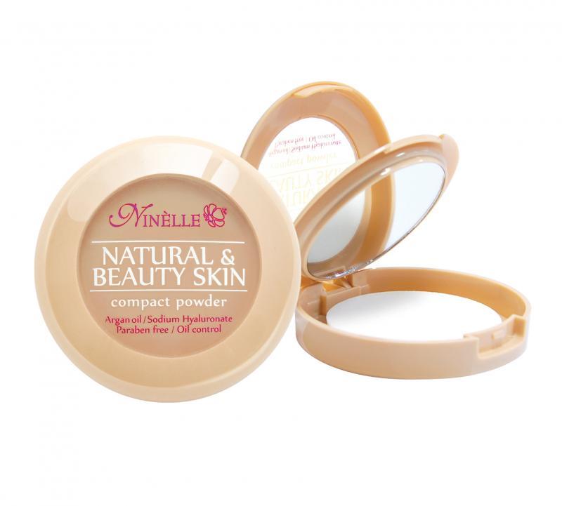 Пудра компактная Natural &amp; Beauty Skin тон 35Пудра<br>Невероятная стойкость в течение 8 часов! Устойчивая компактная пудра Natural&amp;Beauty Skin обладает нежной, шелковистой текстурой и ложится на лицо, словно вторая кожа. Пудра идеально выравнивает тон и текстуру кожи, скрывает недостатки, абсорбирует излишки жира. Теперь Вы можете быть уверены: Ваш макияж останется безупречным при любых испытаниях!<br>Цвет: Легкий загар;