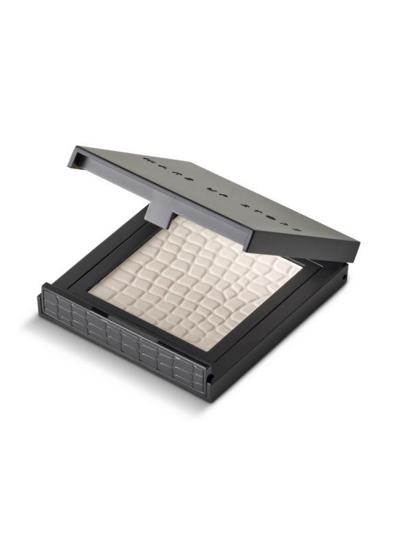 Пудра компактная Micronized Powder (новый дизайн) тон 182 TranslucentПудра<br>Компактная пудра с легкой текстурой. Компактная пудра в классической упаковке с зеркалом. Помогает регулировать матовость кожи в течение дня, не перегружает макияж, подходит для любого типа кожи.<br>Цвет: Translucent;