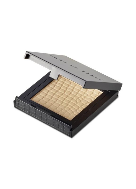 Пудра компактная Micronized Powder (новый дизайн) тон 205 BeigeПудра<br>Компактная пудра с легкой текстурой. Компактная пудра в классической упаковке с зеркалом. Помогает регулировать матовость кожи в течение дня, не перегружает макияж, подходит для любого типа кожи.<br>Цвет: Beige;