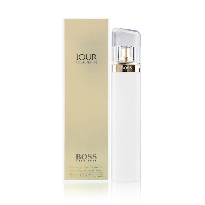 Парфюмерная вода Jour Woman жен. 75 млДухи и парфюмерная вода<br>Вдохновением для BOSS JOUR стал образ женщины HUGO BOSS, которая успешна, элегантна и находится в движении с первыми лучами солнца. BOSS JOUR каждое утро дарит ей маленькую привилегию, окрыляя и подготавливая к предстоящему дню. BOSS JOUR основан на трех ключевых гранях: «свет» — это символ первых лучей солнца нового дня; «вдохновение» делает все вокруг цветным, а «элегантность» отражает внутреннюю силу женственности.<br>