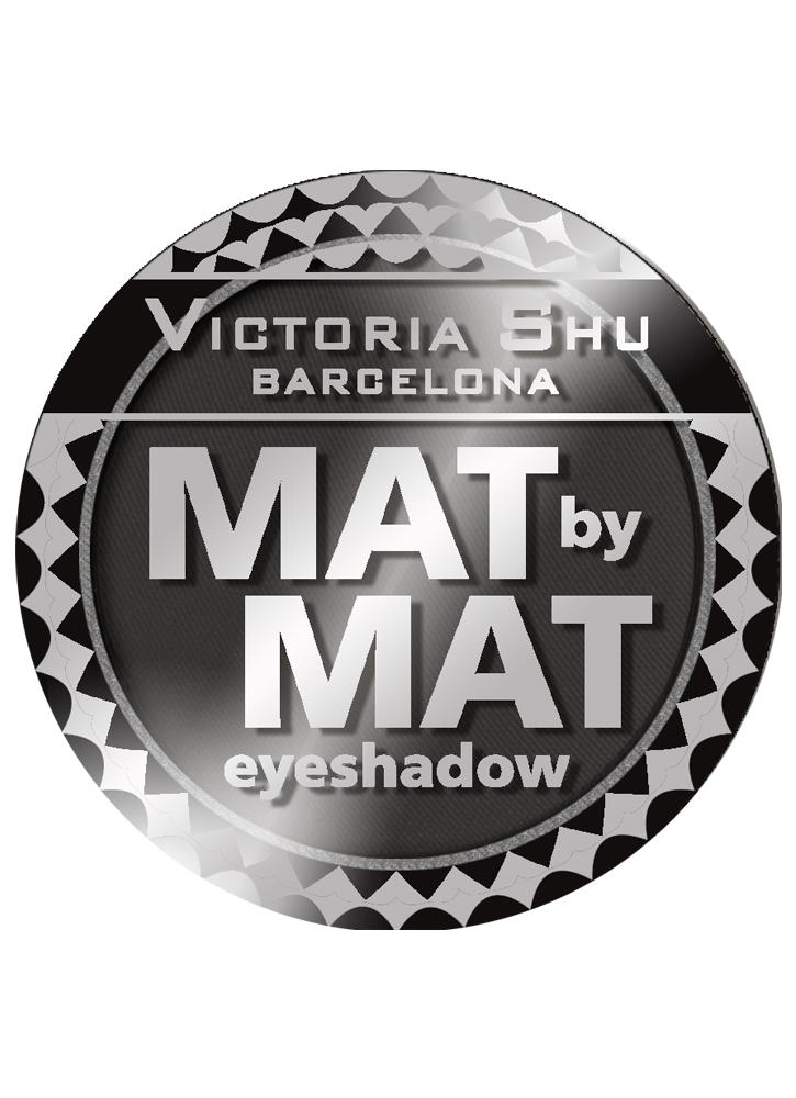 Тени для век Mat By Mat тон 444 Черный бархатныйТени для век<br>Сенсационная цветопередача, насыщенный и яркий цвет в одно касание, а также уникальная стойкость<br>Цвет: Черный бархатный;