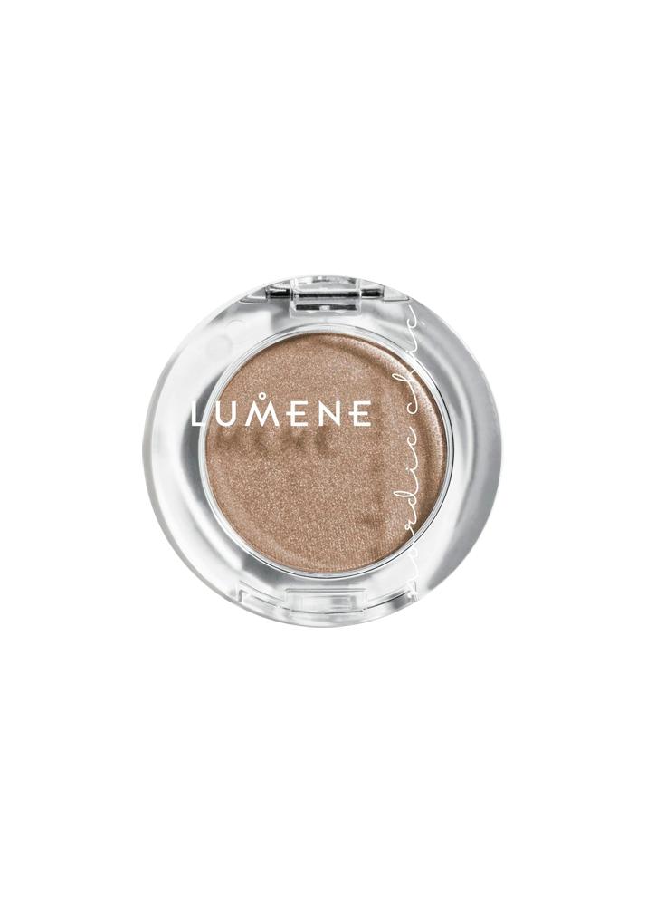 Тени для век одноцветные Nordic Chic тон 2 Glowing SandТени для век<br>Тени с кремовой и ультрамягкой текстурой легко распределяются по веку, создавая сияющее покрытие. 16 насыщенных оттенков для созданяи ультрамодного макияжа. <br><br>Цвет: Светящийся песок;