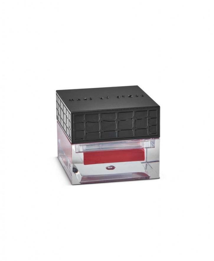 Блеск для губ компактный ароматизированный Lip Gloss Gelato тон 611 WatermelonБлеск для губ<br>Блеск для губ в баночке. Мягкая сливочная текстура &amp;#40;«мороженое»&amp;#41;. Обеспечивает хорошее покрытие и&amp;nbsp;&amp;nbsp;глянцевый финиш в макияже. Нежный аромат лесного ореха, арбуза, абрикоса и малины.В формуле – витамин Е &amp;#40;восстанавливает нежную кожу губ&amp;#41;.<br>Цвет: Watermelon;