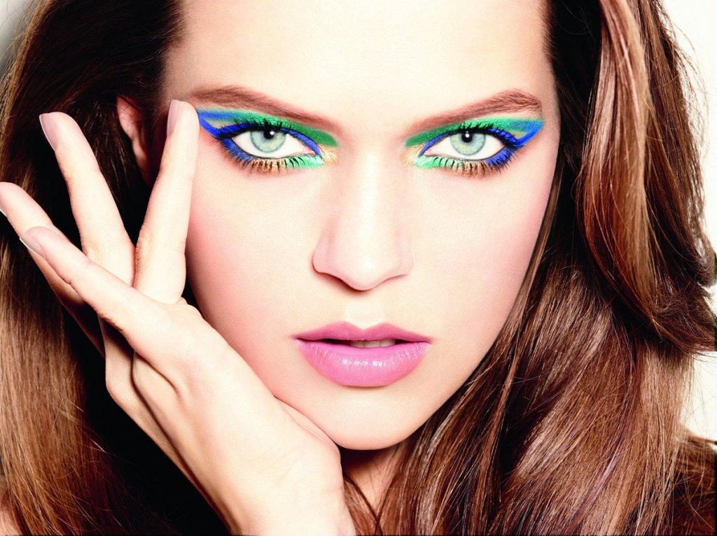стрелки цветные макияж фото наш аппарат сочетает